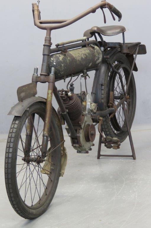 Старинный мотоцикл Magnat Debon 1916