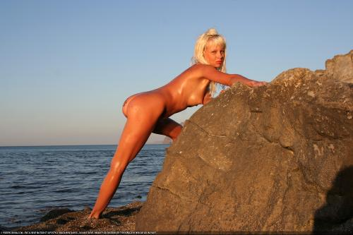 Nudist Sunblaze on Rocks